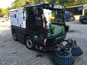 Kompaktkehrmaschine Schmidt Swingo 200 Plus (Seitenansicht links)